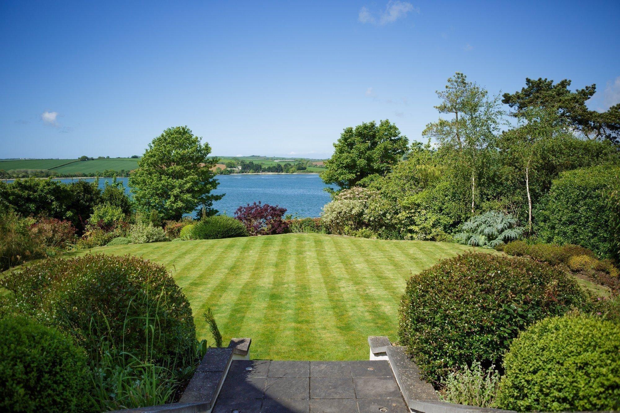 Gardening Garden Maintenance And Landscaping Pebbles Of